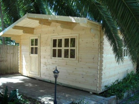 Luton Log Cabin